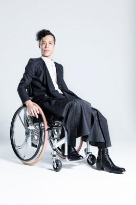 車いすでも美しく見えるbottom'allのスカート