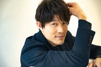 """鈴木亮平、俳優デビューから15年…ブレイクの裏で""""理想への諦め""""明かす「20代はクールで男っぽい役者に憧れてた」"""