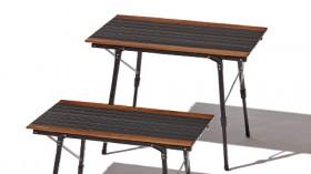 凹凸のあるキャンプサイトでもOK!  脚の高さを自由に変えられるフォールディングテーブル