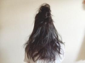 お手軽お団子ハーフアップのゆるい感じがカワイイ☆黒髪に似合うヘアアレンジ