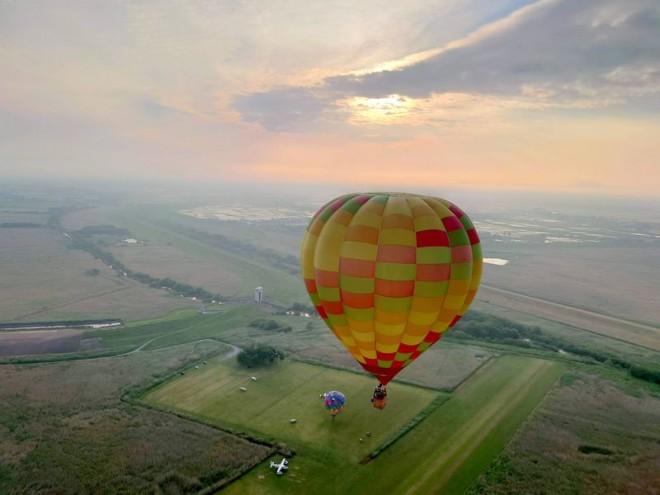 サムネイル 東京から日帰りOK!気球の聖地で北関東を飛ぶ「渡良瀬遊水地」