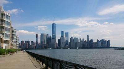 NYCからたった4分で隣のNJ州へ!対岸からマンハッタン摩天楼を臨む ...
