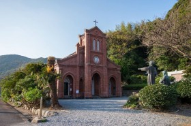 キリシタンの隠れ里「福江島」の美しい教会巡り!「堂崎教会」「井持浦教会」