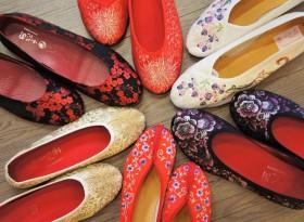 刺繍好き必訪!台北手作りチャイナシューズの老舗「小花園」