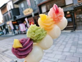 SNSで話題!!女子に大人気「恋小町だんご/茶処くらや」は犬山城下町で並んでも食べよう
