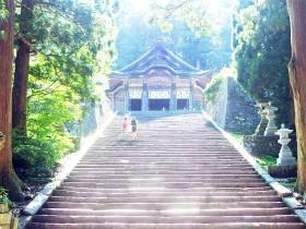 光降る聖なる石段!鳥取・大神山神社奥宮は浄化と飛躍のパワースポット