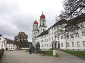 スイス・ルツェルン近郊の美しき隠れ家「聖ウルバン修道院」