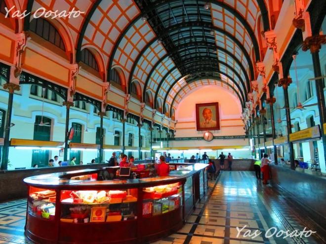 サムネイル 昼夜を問わず美しい!ホーチミン観光で必見のサイゴン中央郵便局