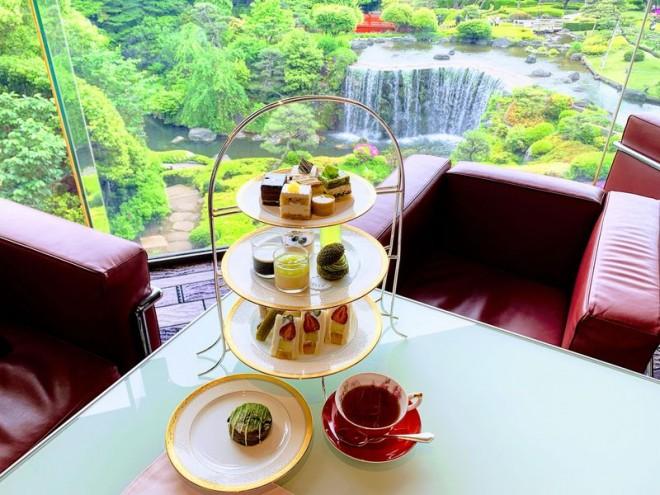 サムネイル 東京・ホテルニューオータニ「抹茶とメロンとチョコレート」アフタヌーンティー