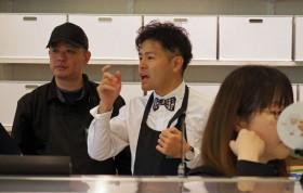 イオンが「岡田ジュニア」を店長に据える有機食品スーパーの本気度