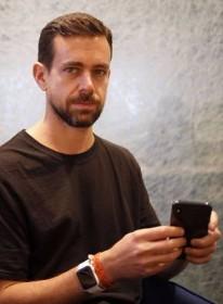 TwitterのCEOは「iPhoneだけ」で仕事する 「iPhone Xは最高」