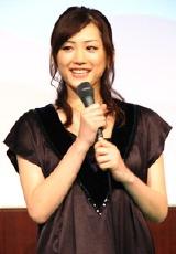 『ホタルノヒカリ』の制作記者会見に出席した綾瀬はるか