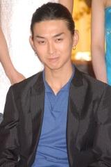 ドラマ『女帝』の制作発表記者会見に出席した松田翔太