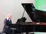 本作の親善大使であるロシアのピアニスト、ニコライ・トカレフ