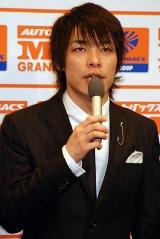 『M-1 グランプリ2007』のプレス発表会に出席した麒麟の川島明