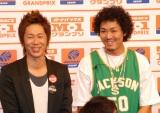 『M-1グランプリ2007』のプレス発表会に出席したトータルテンボス