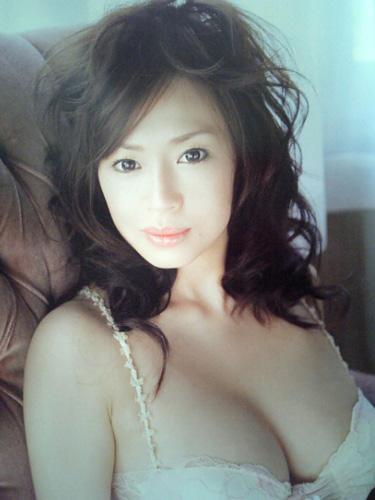 浅田好未セクシーカット2