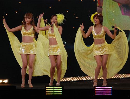 『Hello! Project 2007 Summer 10th アニバーサリー大感謝祭〜ハロ☆プロ夏祭り〜』に出演した美勇伝