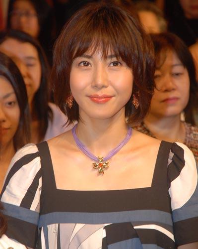 サムネイル 第2子の妊娠を発表した松嶋菜々子