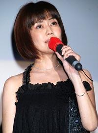 映画『伝染歌』の新旧アイドル最怖歌披露イベントで17年ぶりの歌声を披露した松本伊代
