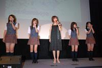 映画『伝染歌』の新旧アイドル最怖歌披露イベントに出席した松本伊代とAKB48のメンバー