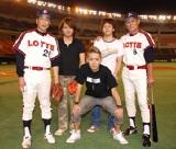 村田、有藤両氏は「たくさんの人に愛されて欲しいね」とメンバーにエールを贈った