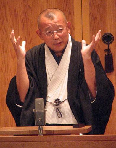大阪・天満天神繁昌亭の1周年を記念して公演を行った笑福亭鶴瓶