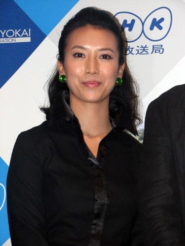 NHK土曜ドラマ『ジャッジ 島の裁判官奮闘記』の記者会見に出席した戸田菜穂