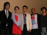 映画『夜の上海』の出演者たち