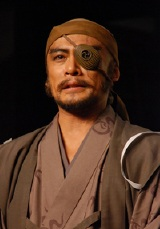 NHK大河ドラマ『風林火山』のクランクアップ後の会見で感無量の内野聖陽
