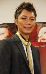 映画『エディット・ピアフ 愛の賛歌』の試写会イベントに登場した成宮寛貴