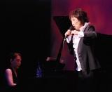 シャンソン歌手クミコがスペシャルライブを披露