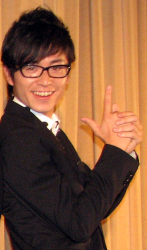 藤森慎吾(オリエンタルラジオ) 映画「TAXi(4)」初日舞台挨拶