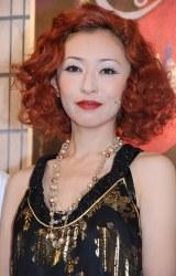 ミュージカル『キャバレー』の公開舞台稽古に挑んだ松雪泰子