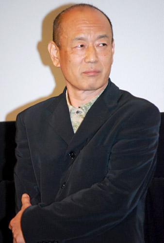映画『オリヲン座からの招待状』の完成披露試写会での三枝健起監督