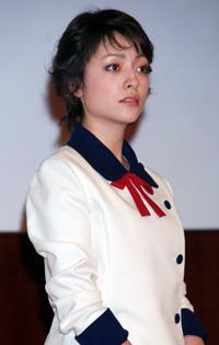 日本テレビ系新ドラマ『有閑倶楽部』の会見に出席した美波