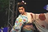 渋谷109前で、舞踊を披露した