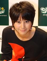 2位に選ばれた堀北真希、10月7日(日)、原宿KDDIデザイニングスタジオでの公開収録の模様