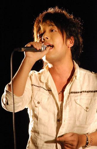 歌手 サスケ