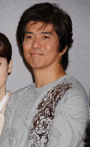 2位に選ばれた佐藤浩市。10月2日(火)、NHK木曜時代劇『風の果て』の会見での模様。
