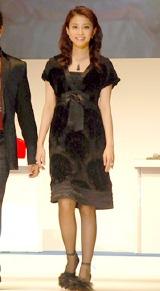 新作ダイヤモンドコレクションでショーモデルに挑戦した小林麻央