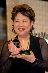 『日本メイクアップ功労賞』を受賞したアメリカで活躍中のメイクアップアーティスト、カオリ・ナラ・ターナー