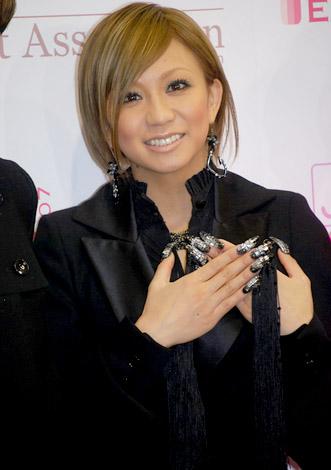 サムネイル 『ネイルクイーン 2007』授賞式に出席した倖田來未