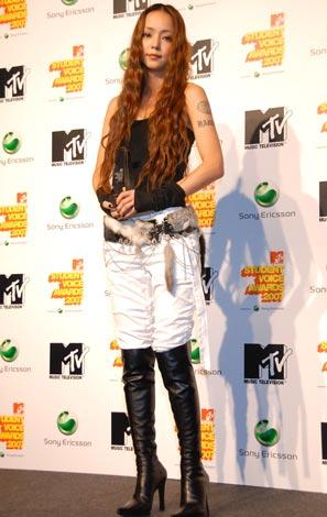 サムネイル 安室奈美恵(8月30日に行われた 『MTV STUDENT VOICE AWARDS 2007』に出席した時の様子)