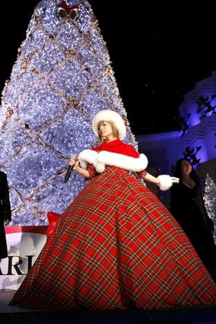クリスマスシークレットライブを行った浜崎あゆみ