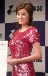 ウェディングコンピアルバム『Norika Wedding Style』の発売記念握手会を開催した藤原紀香