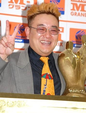 『M-1グランプリ2007』王者のサンドウィッチマン・伊達みきお(ツッコミ)