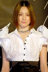 テレビ朝日系ドラマ『交渉人〜THE NEGOTIATOR〜』の会見に出席した米倉涼子
