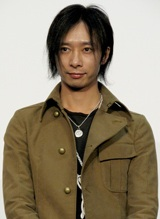映画『HEY JAPANESE! Do you believe PEACE,LOVE and UNDERSTANDING? 2008−2008年、イマドキジャパニーズよ。愛と平和と理解を信じるかい?−』の完成披露試写会に出席した、いしだ壱成