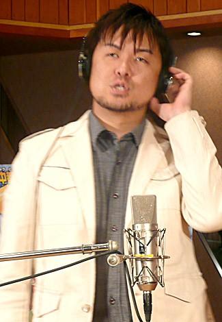 歌う土田晃之